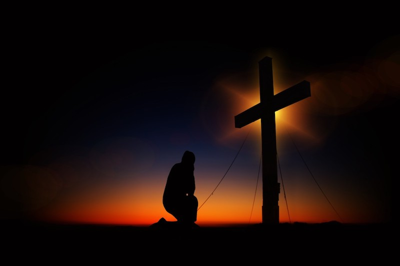 cross_sunset_humility_devotion_silhouette_human_kneeling_knee-607081.jpg